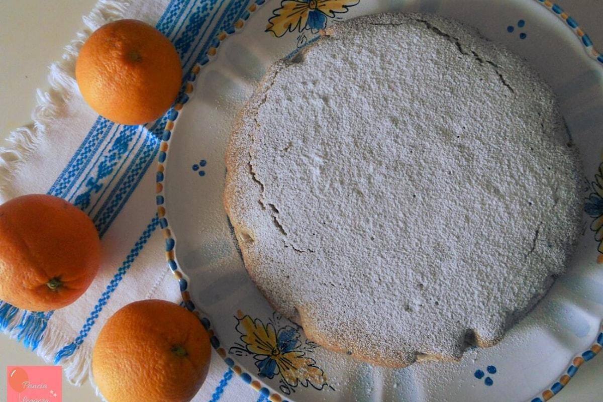 L'arancia siciliana è protagonista di un dolce sofficissimo, estremamente light e senza glutine