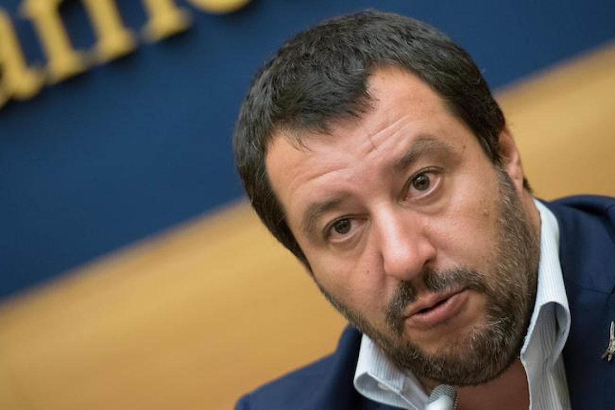 Salvini: «Dieci vaccini obbligatori sono inutili e pericolosi, tutti i bimbi a scuola»