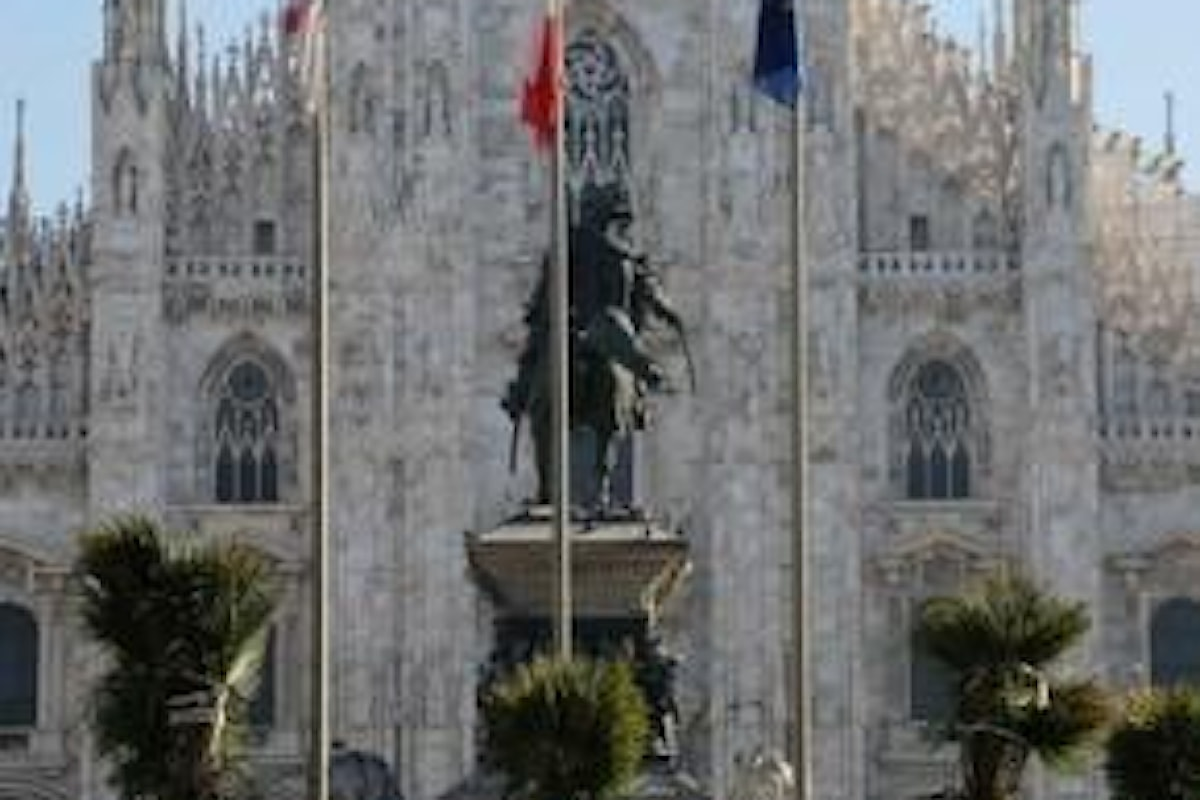 A Milano in piazza Duomo spuntano palme e banani