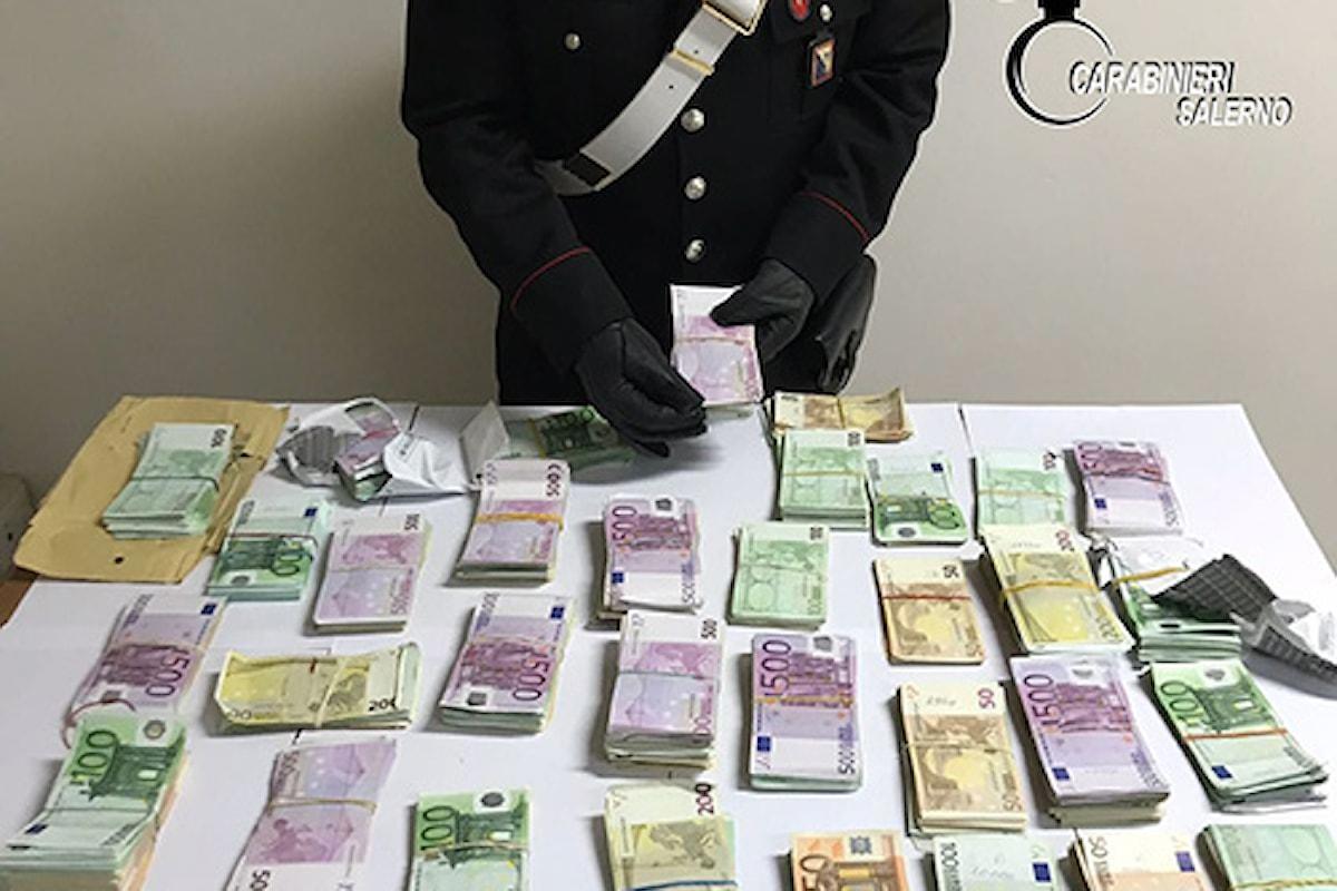 Trovato con 340mila euro in casa, scattano le indagini