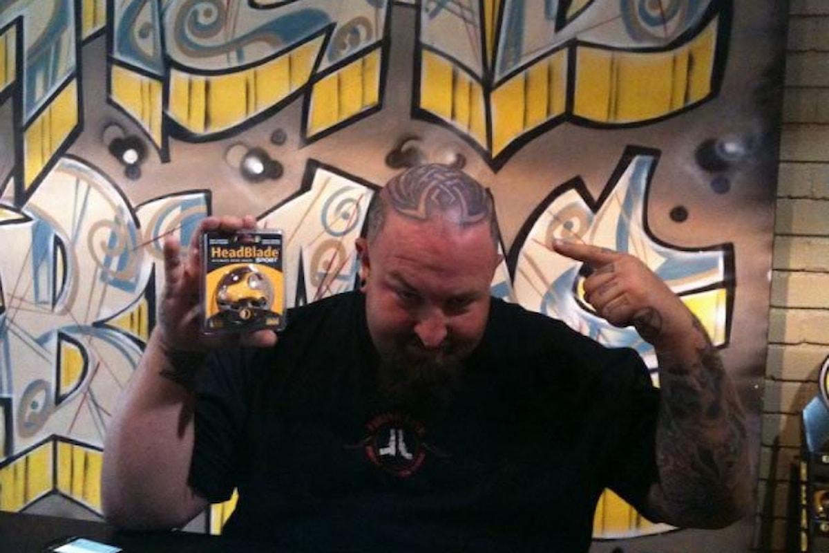 Anche Ton Jones di AFFARE FATTO utilizza HeadBlade