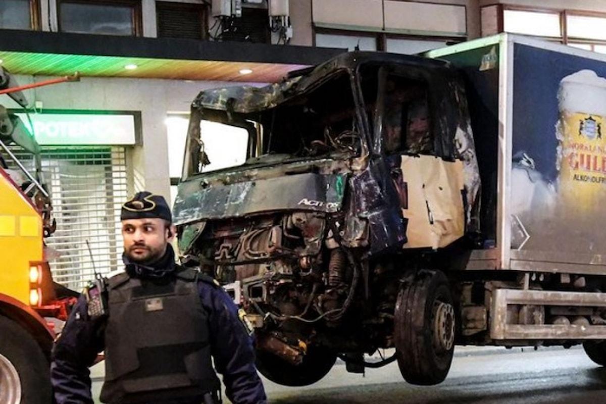 Sarebbe un uzbeko di 39 anni l'autore dell'attentato in Svezia che ha causato 4 morti