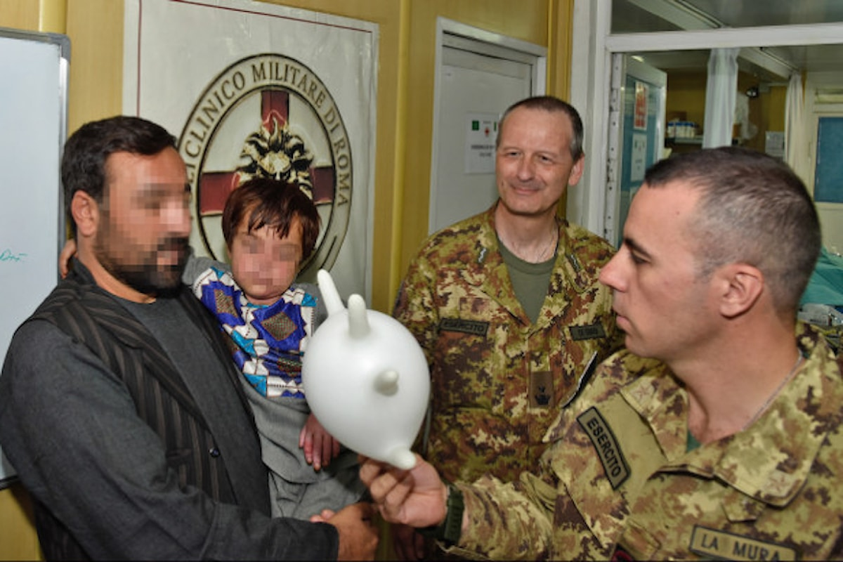 Afghanistan, militari italiani salvano la vita ad un bambino afgano gravemente ustionato