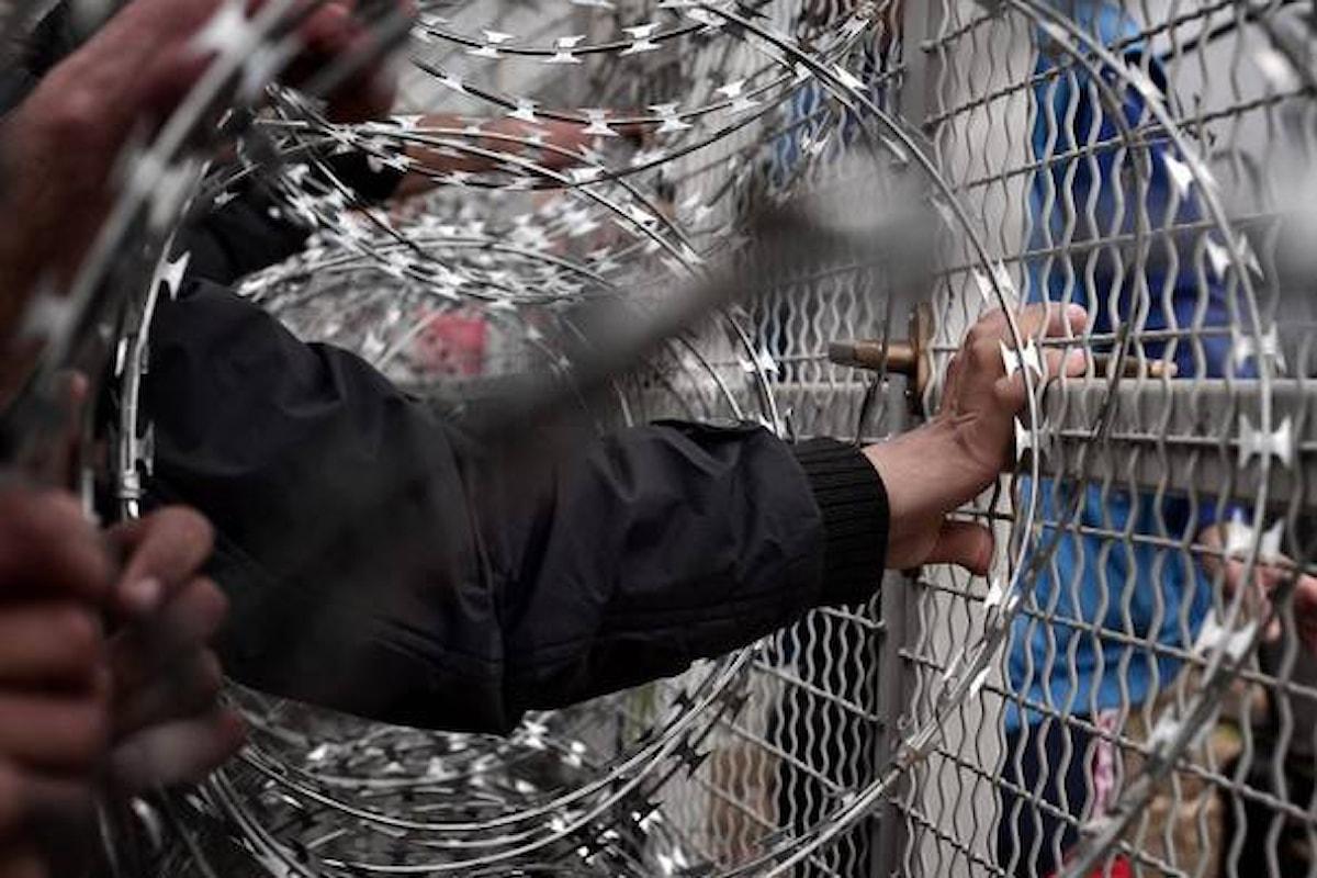 Migranti, scontri con Polizia tra Macedonia e Grecia