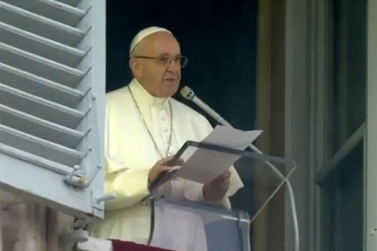 Papa Francesco: i regni fondati sul potere delle armi e sulla prevaricazione sono fragili e prima o poi crollano