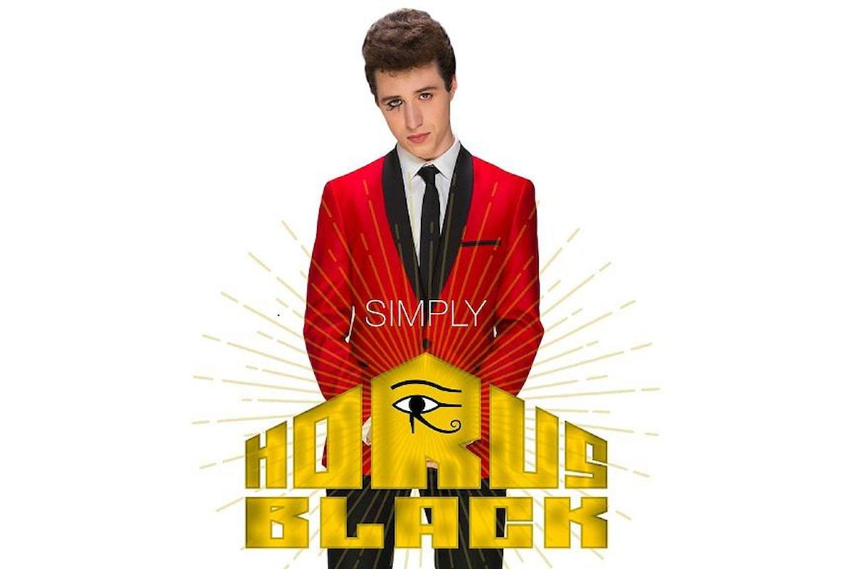 HORUS BLACK: SIMPLY è l'album d'esordio del giovanissimo cantautore genovese