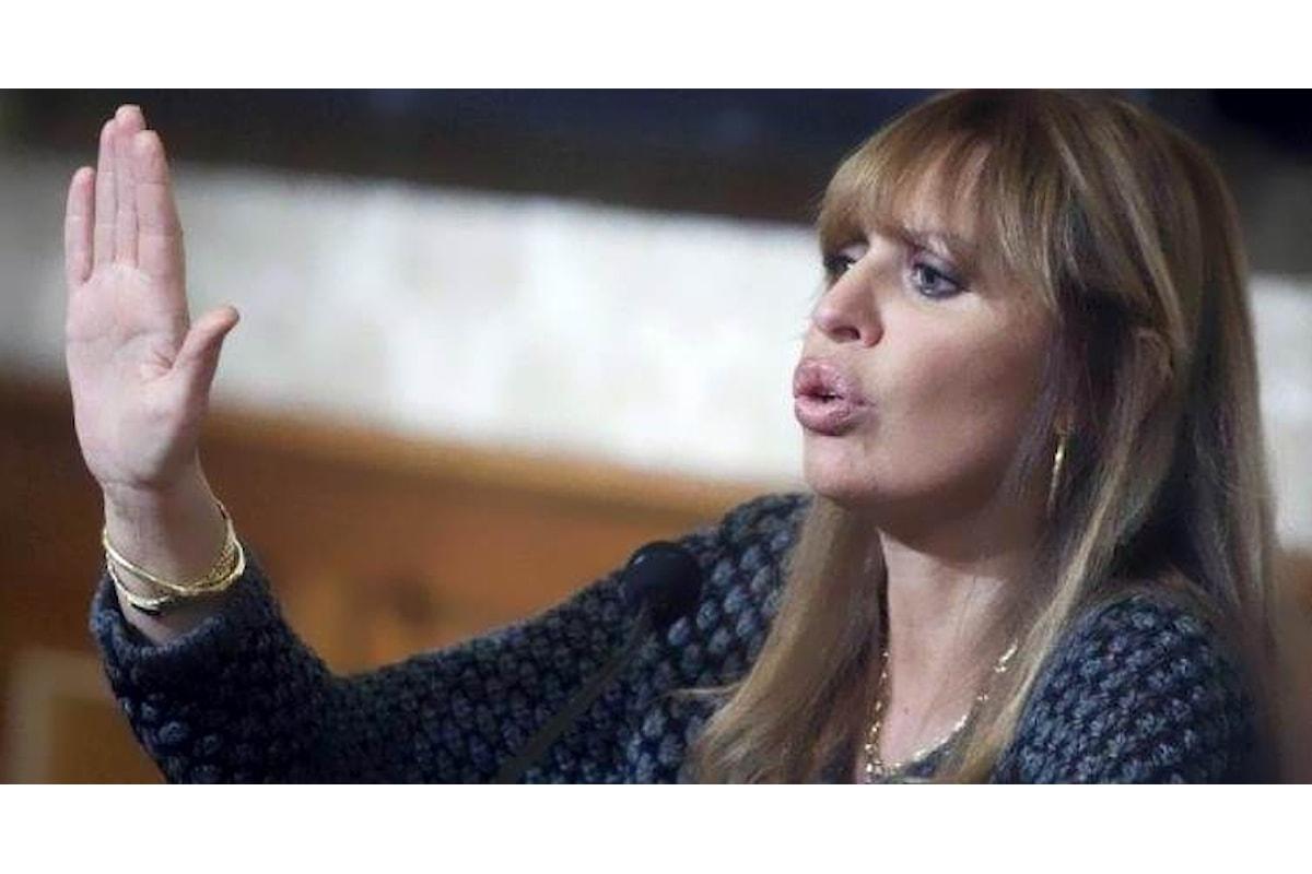 Alessandra Mussolini: denuncio chi offende mio nonno