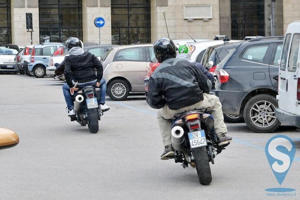 Falchi in azione a Salerno, presi due ladri di motorini