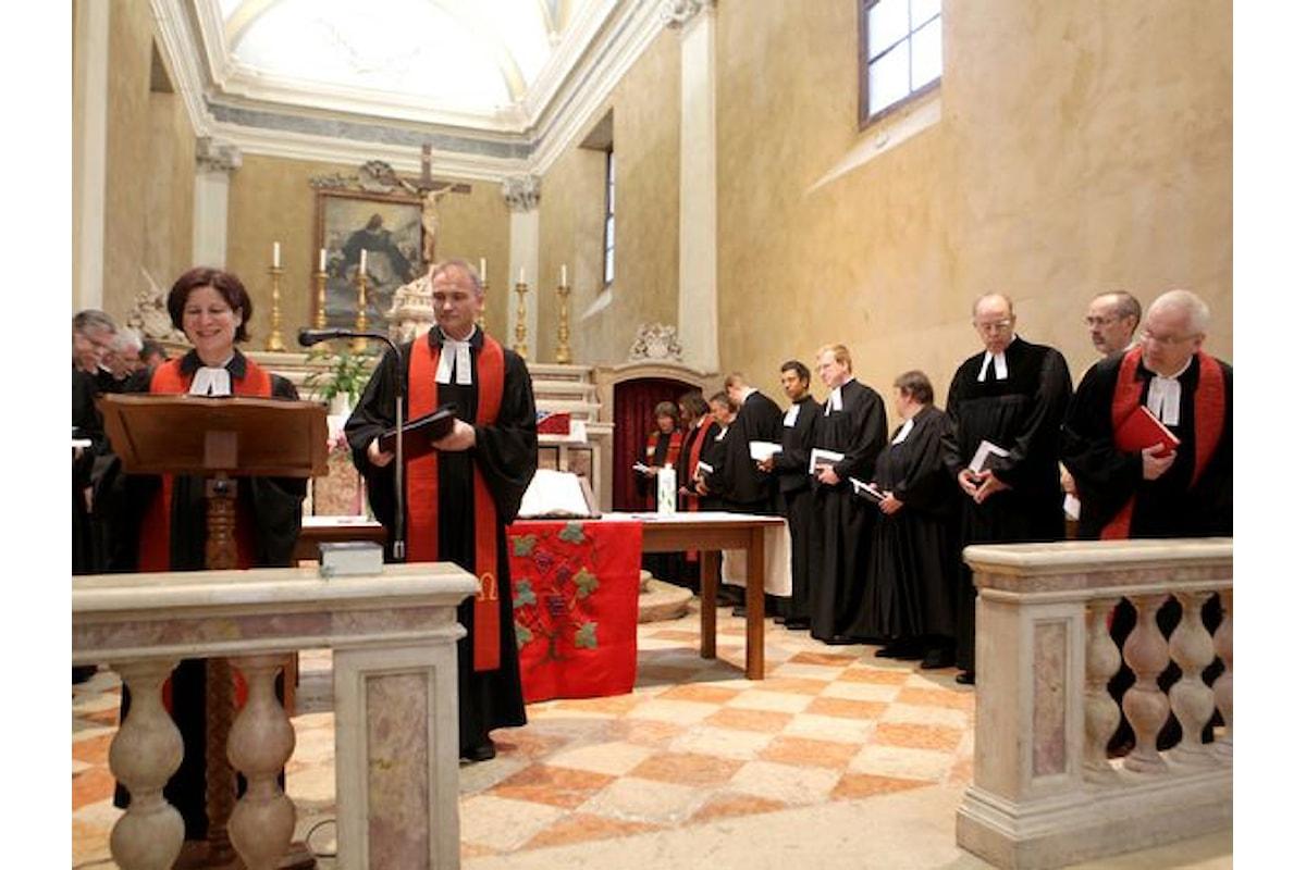 Svizzera, censimento sulle religioni: aumentano gli atei, crollano i protestanti, calano i cattolici.