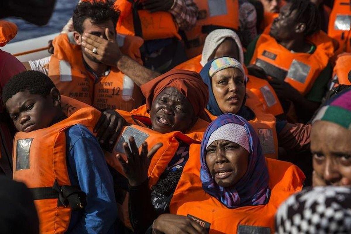 I 60 migranti a bordo della nave Open Arms sbarcheranno a Barcellona