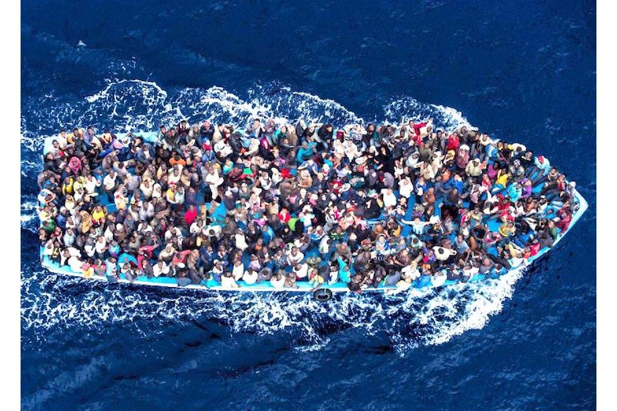 E dopo quelli della Diciotti ecco altri 450 migranti di cui l'incompetente Salvini potrà occuparsi